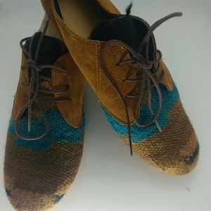 Shoes - Hand made leather and kilim lace up shoes